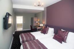Halifax Hall Hotel twin bedroom