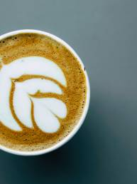 GeniUS Cafe coffee art