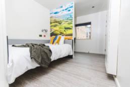 Jonas Hotel bedroom